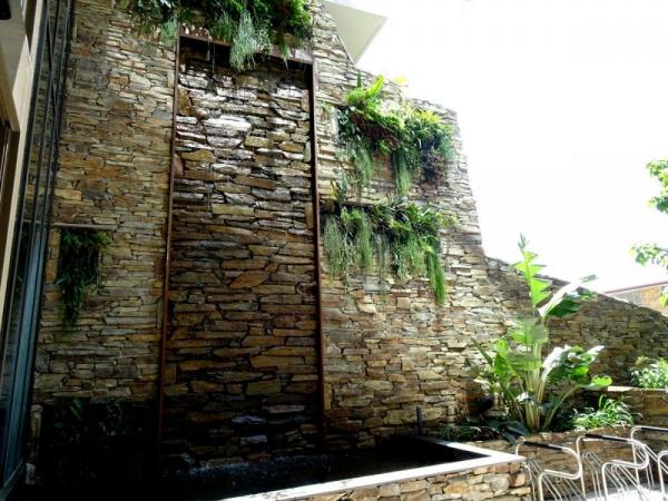 Alondra Nundah Stone