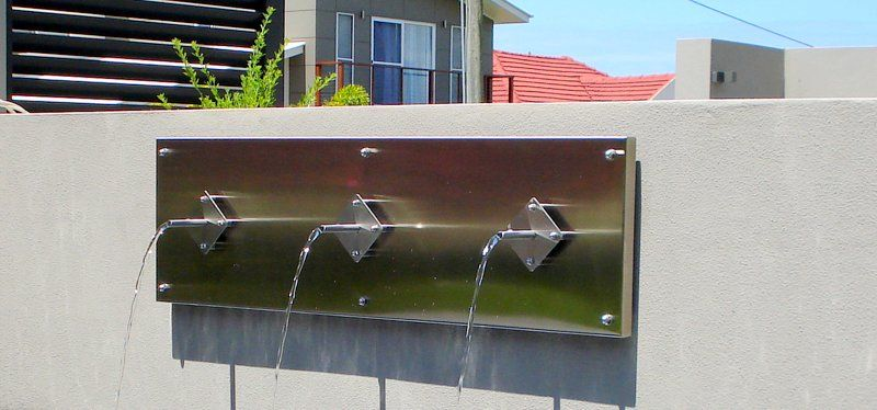 Feature Panel with Water Spouts