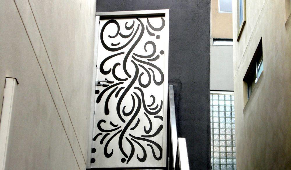 Aluminium Decorative Door